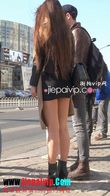 街拍身材好到爆的高挑短裙性感美女10