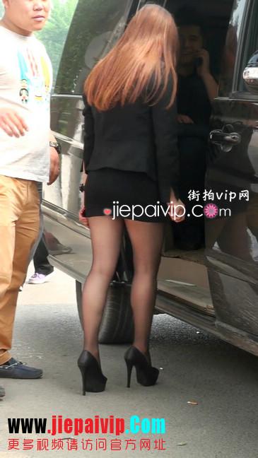 黑丝短裙美眉性感身材尤为诱人21