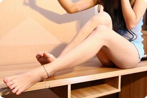 女神的裸脚等待你的安抚