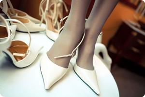 丝袜和高跟鞋总是那么的般配