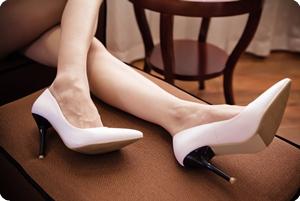 迷人的高跟鞋牵着多少男人的灵魂