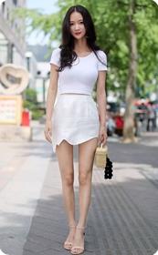 街拍气质极品短裙高跟美女