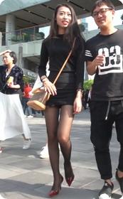 十分性感的超短连衣裙黑丝美少妇