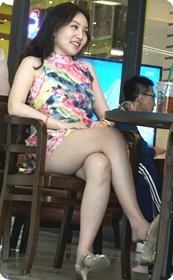 超极品白嫩美腿小高跟美少妇