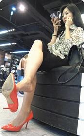 熟女OL不安分的高跟鞋
