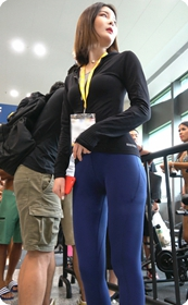 极品蓝色紧身瑜伽裤美臀美女第一季