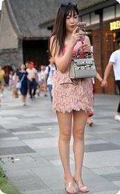 美女的漂亮的裙子