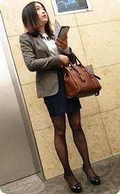 黑丝女已经到电梯口
