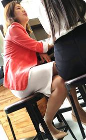 肉丝少妇你坐着我能看到你那股骚劲