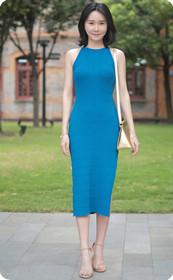 蓝裙气质美女