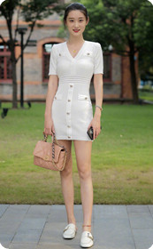 白色连衣裙透视装美女