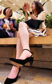 长腿妹子气质真好,这样的哪个男人不想要啊?