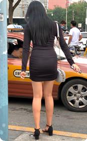 翘臀长腿高跟鞋美女,黑发女神迷倒众人