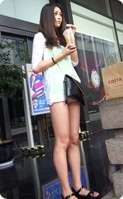 无可挑剔的极品长腿美女