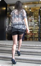 黑丝高跟短裙少妇,性感透视装