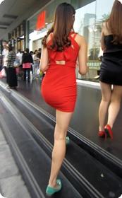 街拍,身材嫉妒诱人的红色超短连衣裙翘臀美女