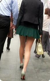 绝对让你欲火焚身超短裙美腿女神