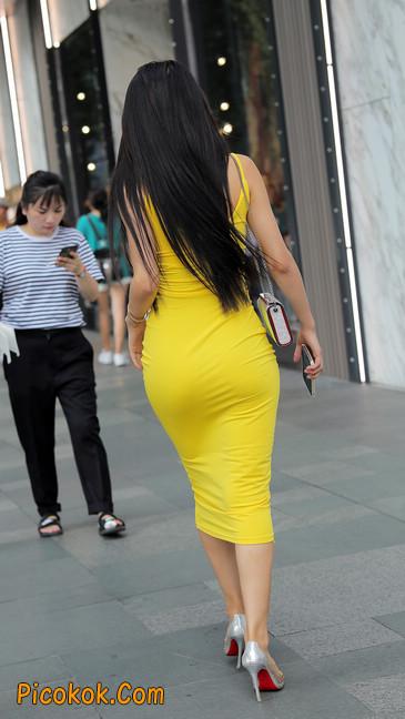 街拍极品紧身裙少妇,让人流鼻血6