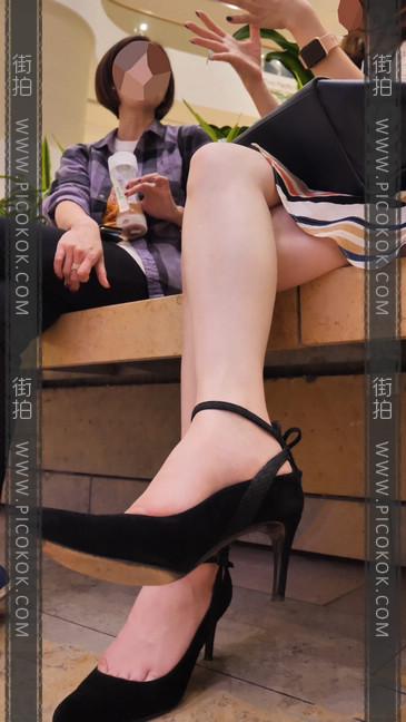 长腿妹子气质真好,这样的哪个男人不想要啊?8
