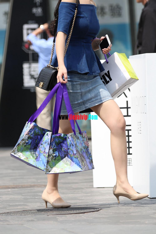 露肩牛仔短裙美腿高跟气质少妇3