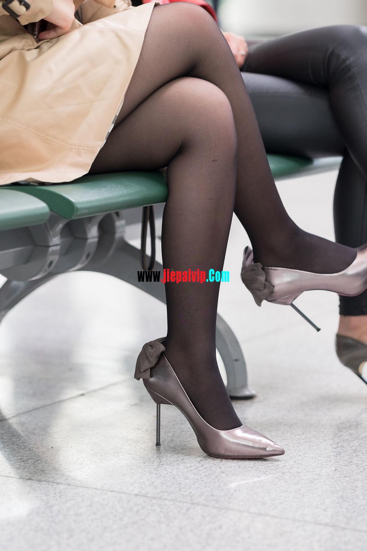 街拍候机的丝袜高跟鞋少妇,太勾引人了4