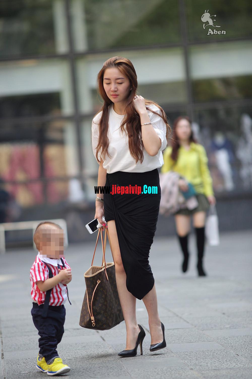 生了小孩的少妇最有魅力,美臀黑裙美腿高跟少妇8
