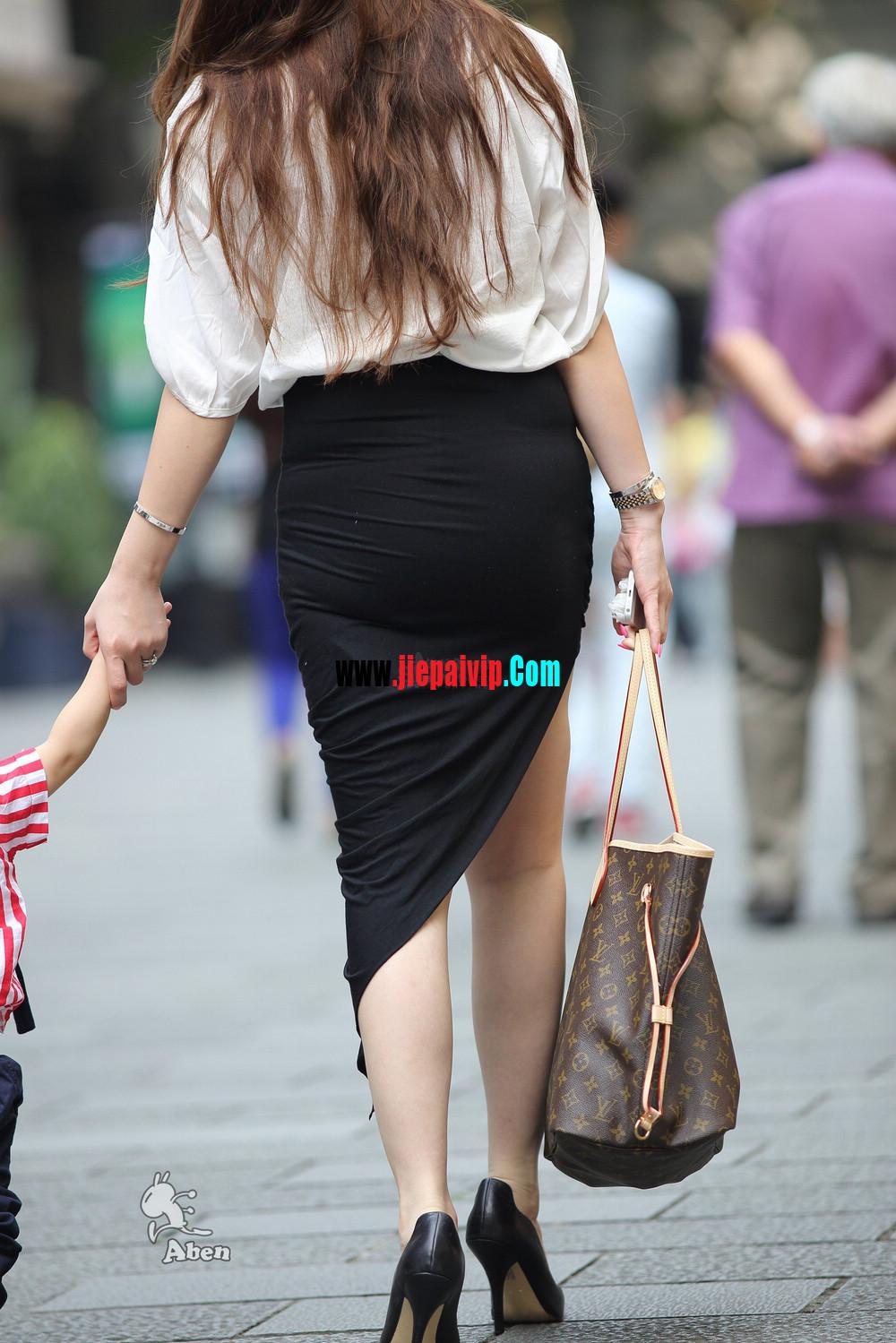 生了小孩的少妇最有魅力,美臀黑裙美腿高跟少妇10