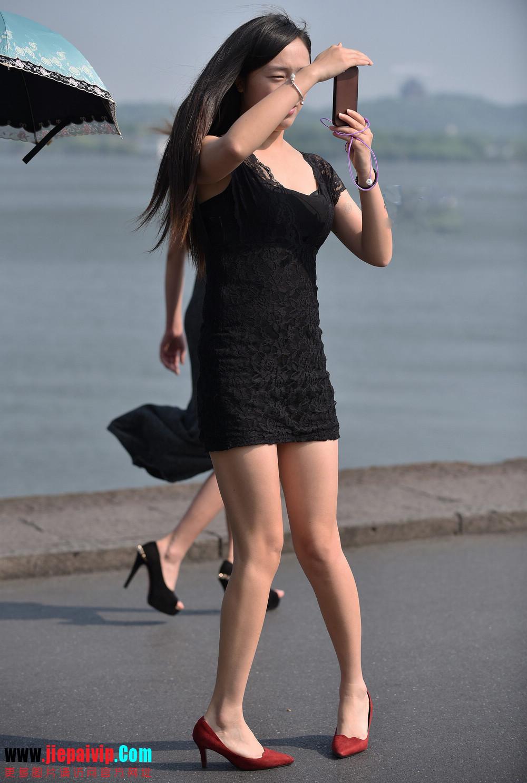 杭州街头街拍气质短裙美女