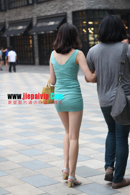 街拍超短裙,紧身衣,少妇1