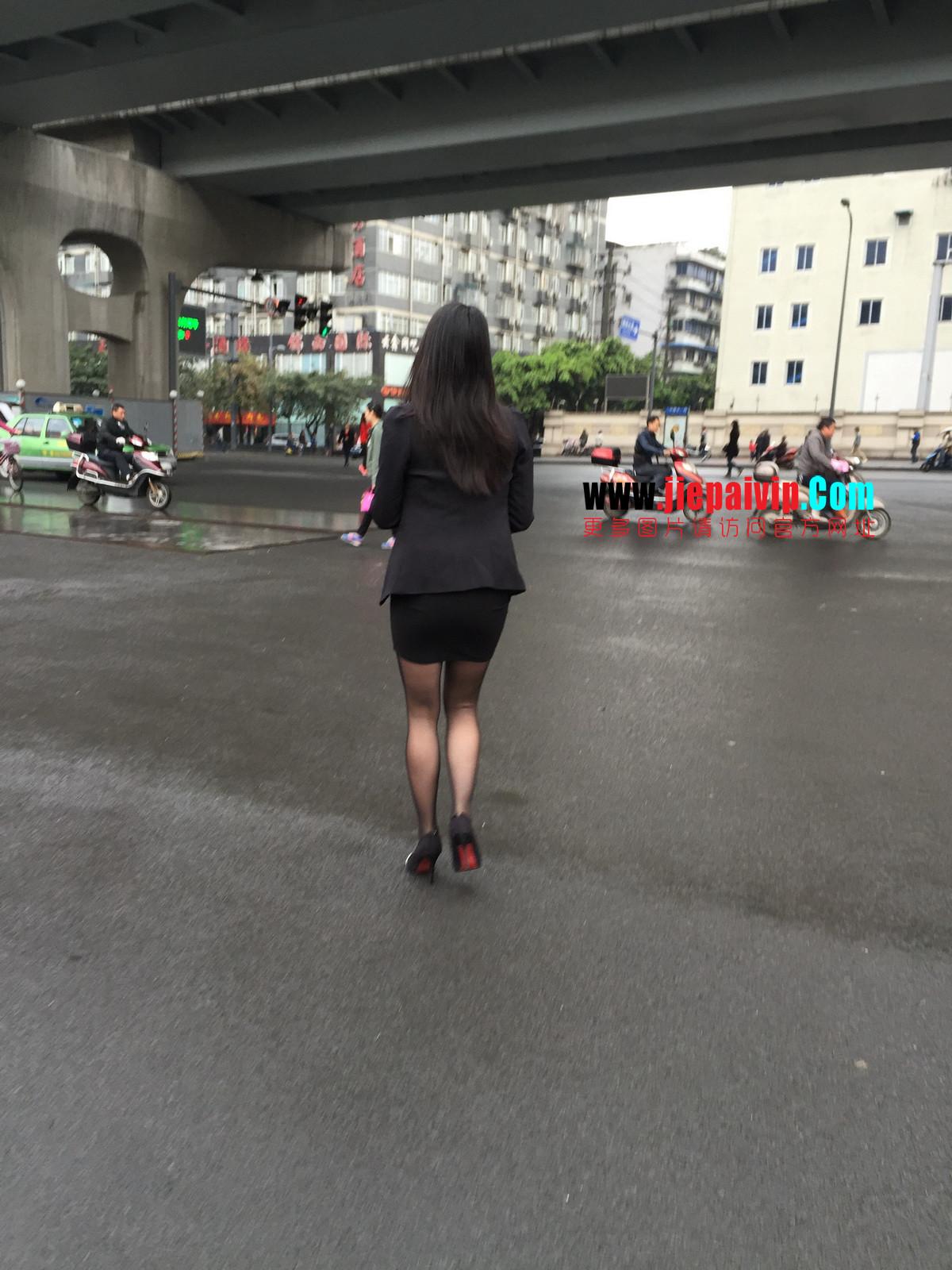 街拍职业OL美女,黑丝高跟,短裙包臀9