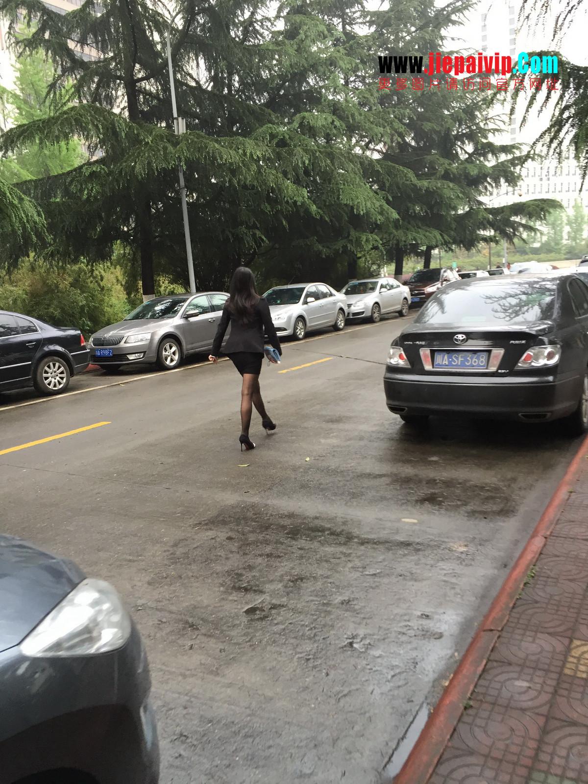 街拍职业OL美女,黑丝高跟,短裙包臀49