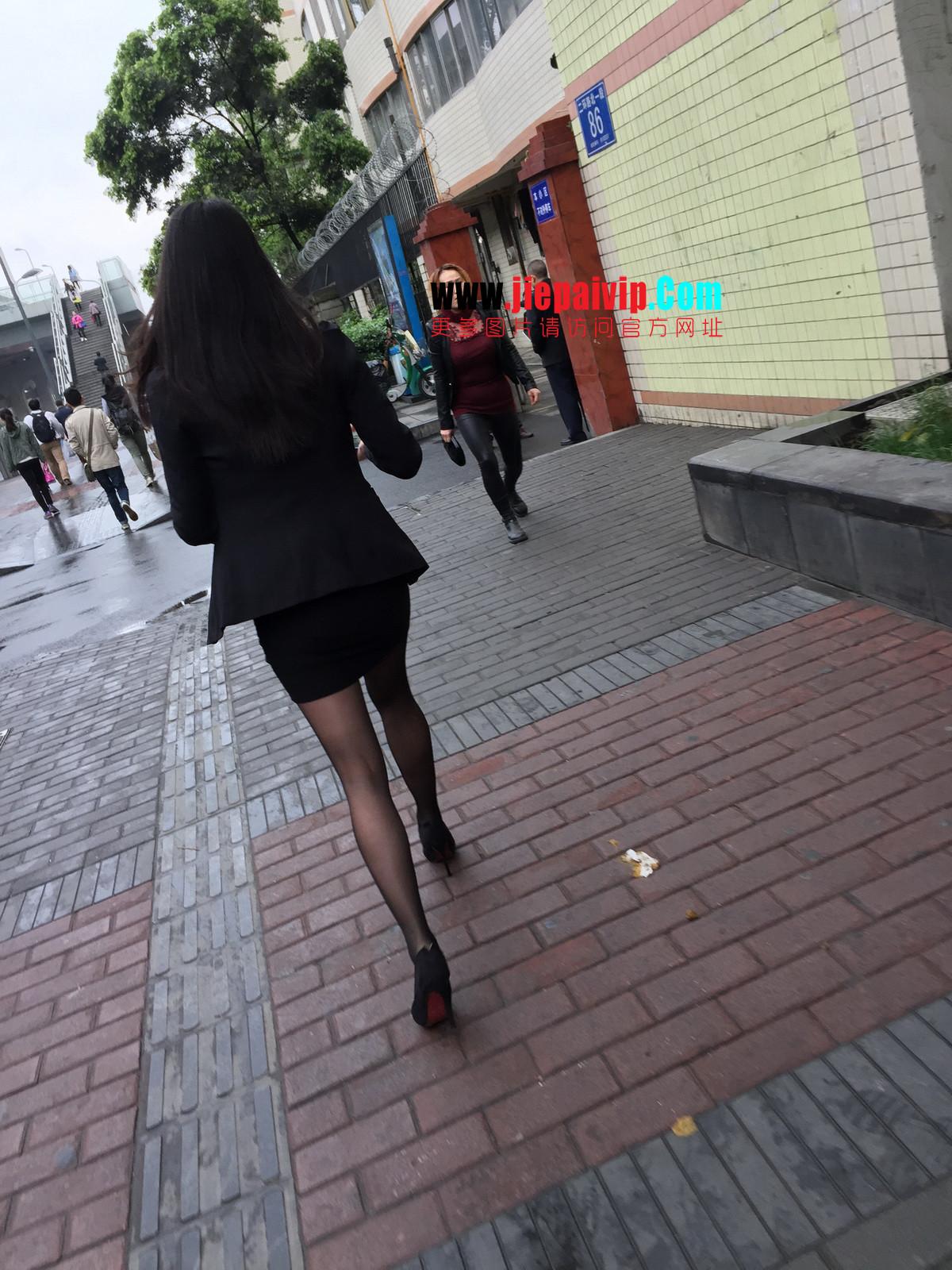 街拍职业OL美女,黑丝高跟,短裙包臀57
