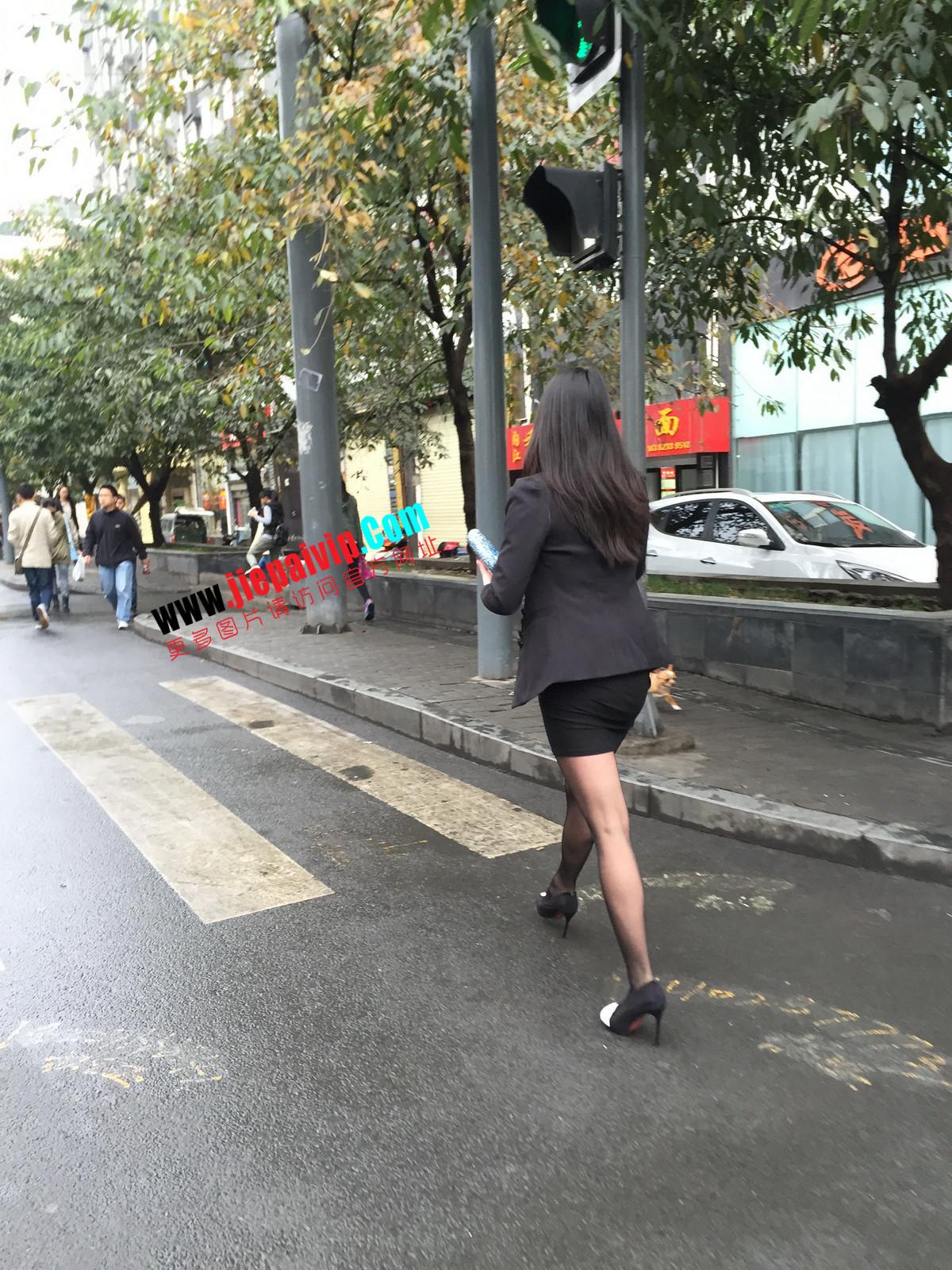 街拍职业OL美女,黑丝高跟,短裙包臀19
