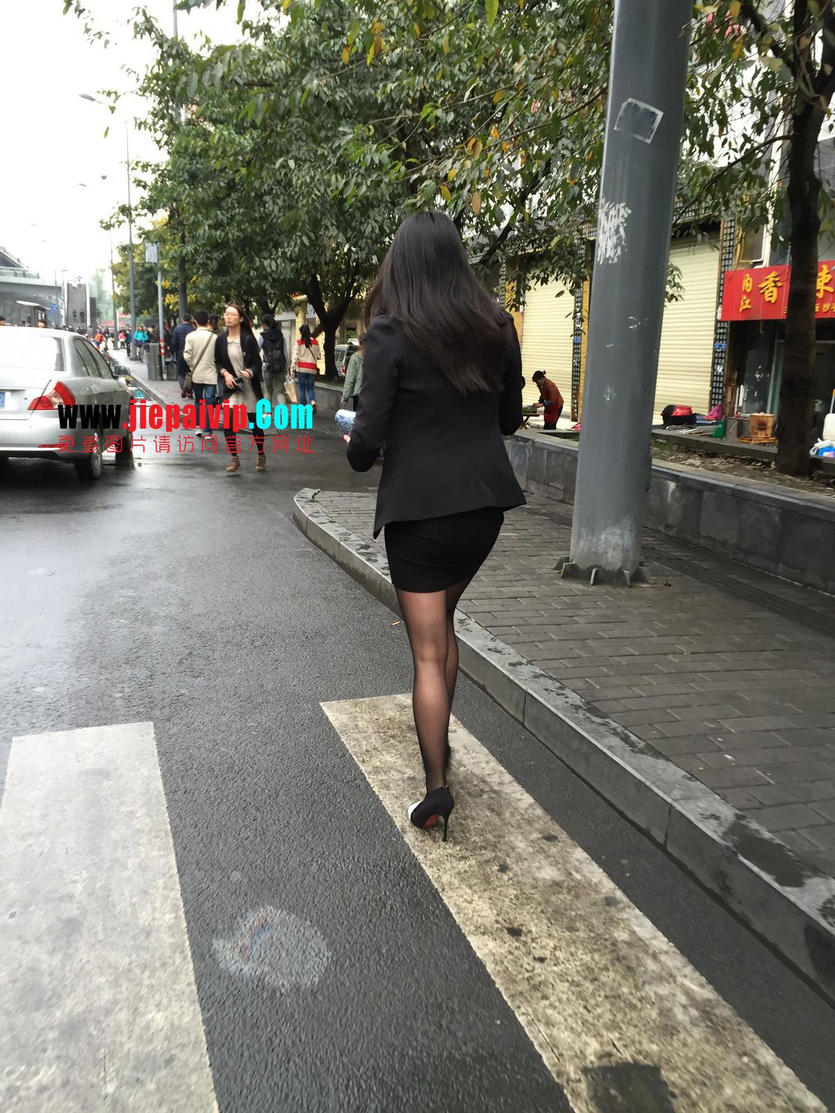 街拍职业OL美女,黑丝高跟,短裙包臀20