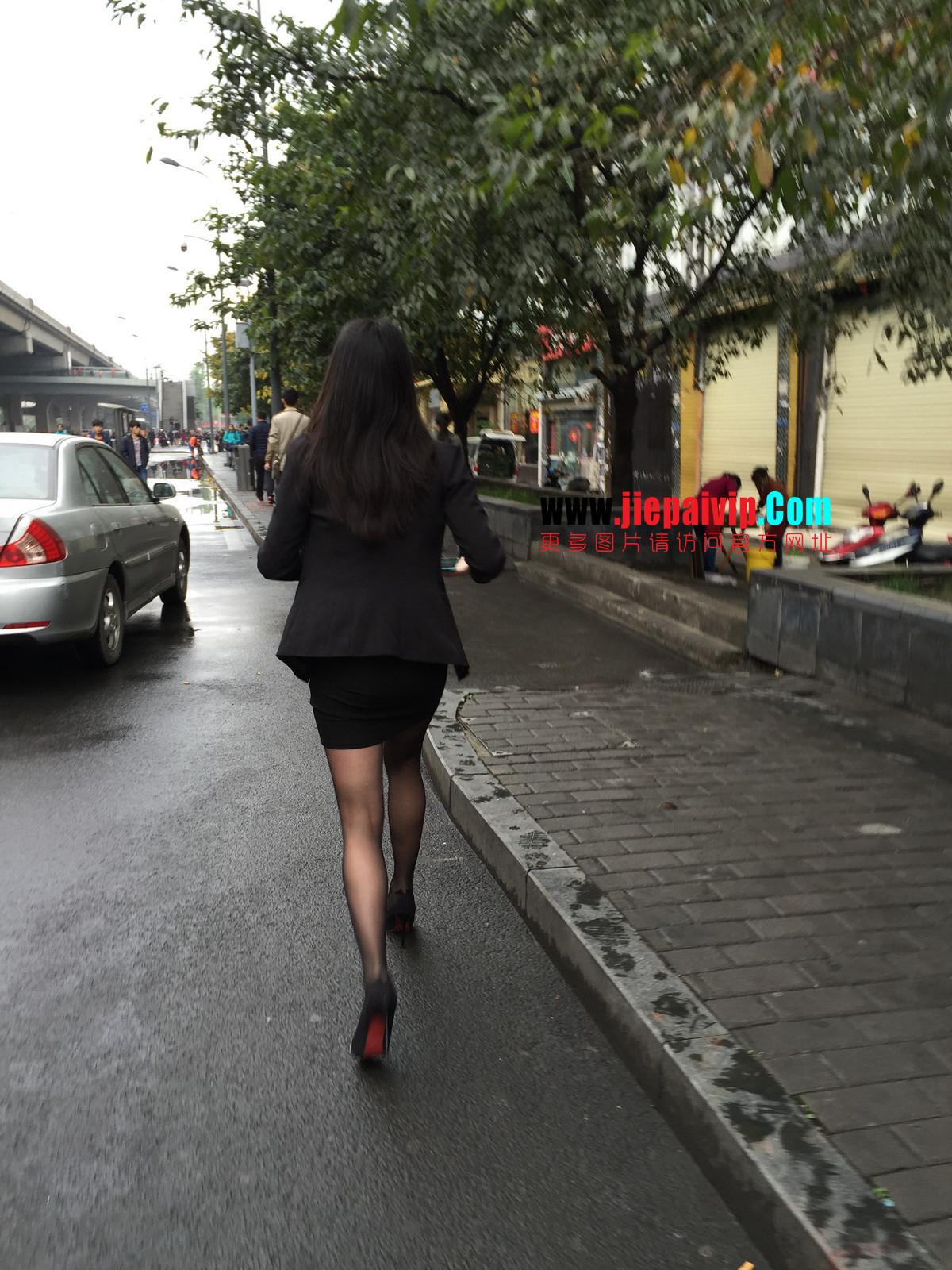 街拍职业OL美女,黑丝高跟,短裙包臀23