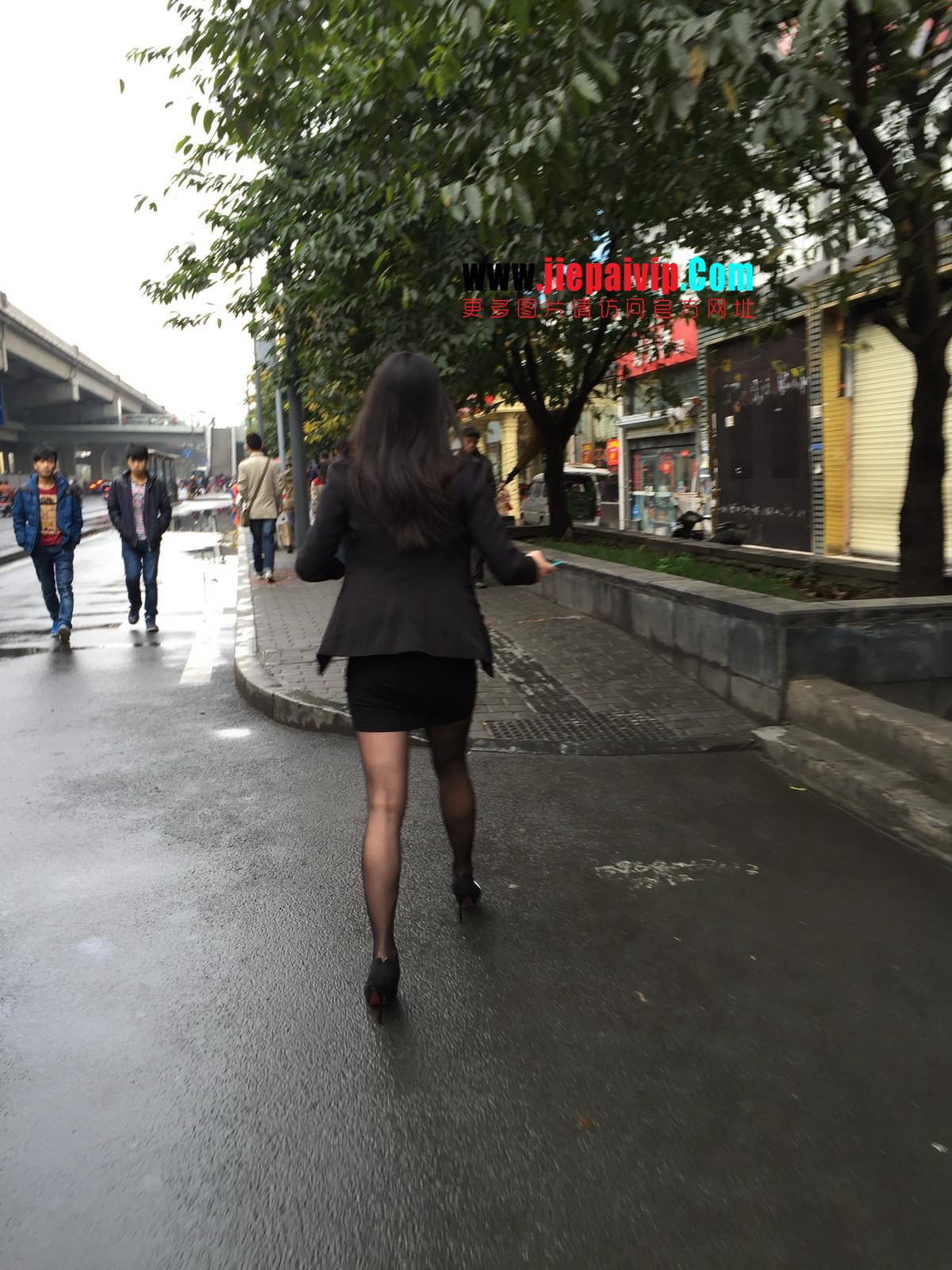 街拍职业OL美女,黑丝高跟,短裙包臀26