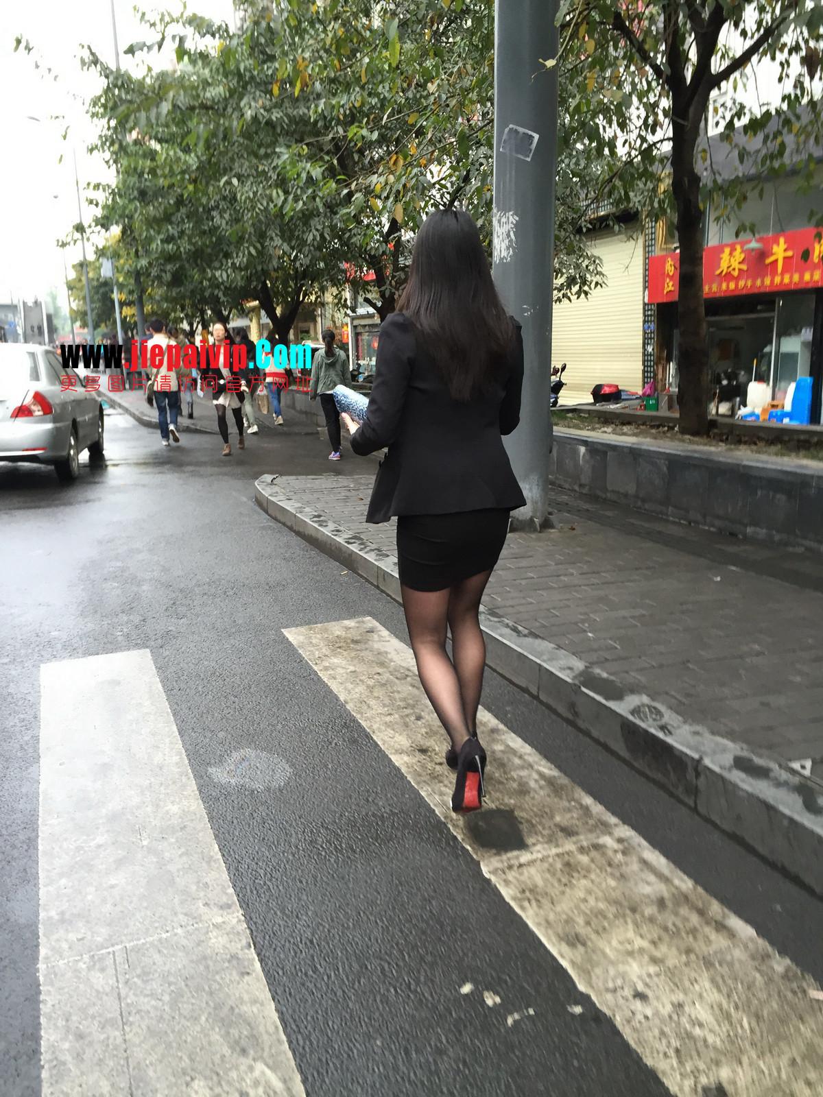 街拍职业OL美女,黑丝高跟,短裙包臀27