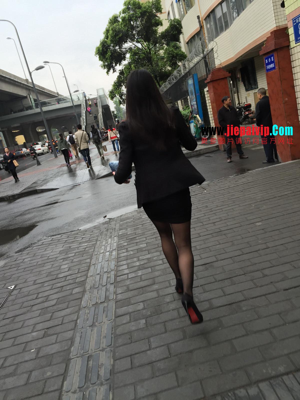 街拍职业OL美女,黑丝高跟,短裙包臀30