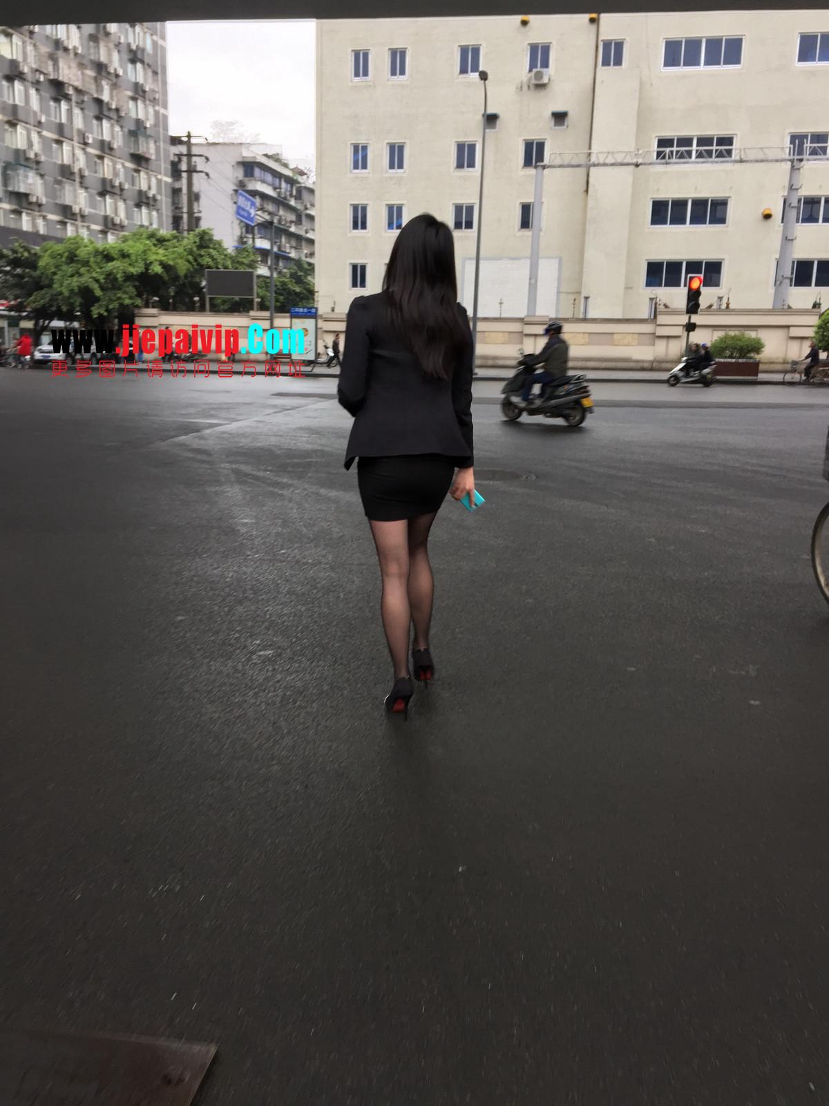 街拍职业OL美女,黑丝高跟,短裙包臀13