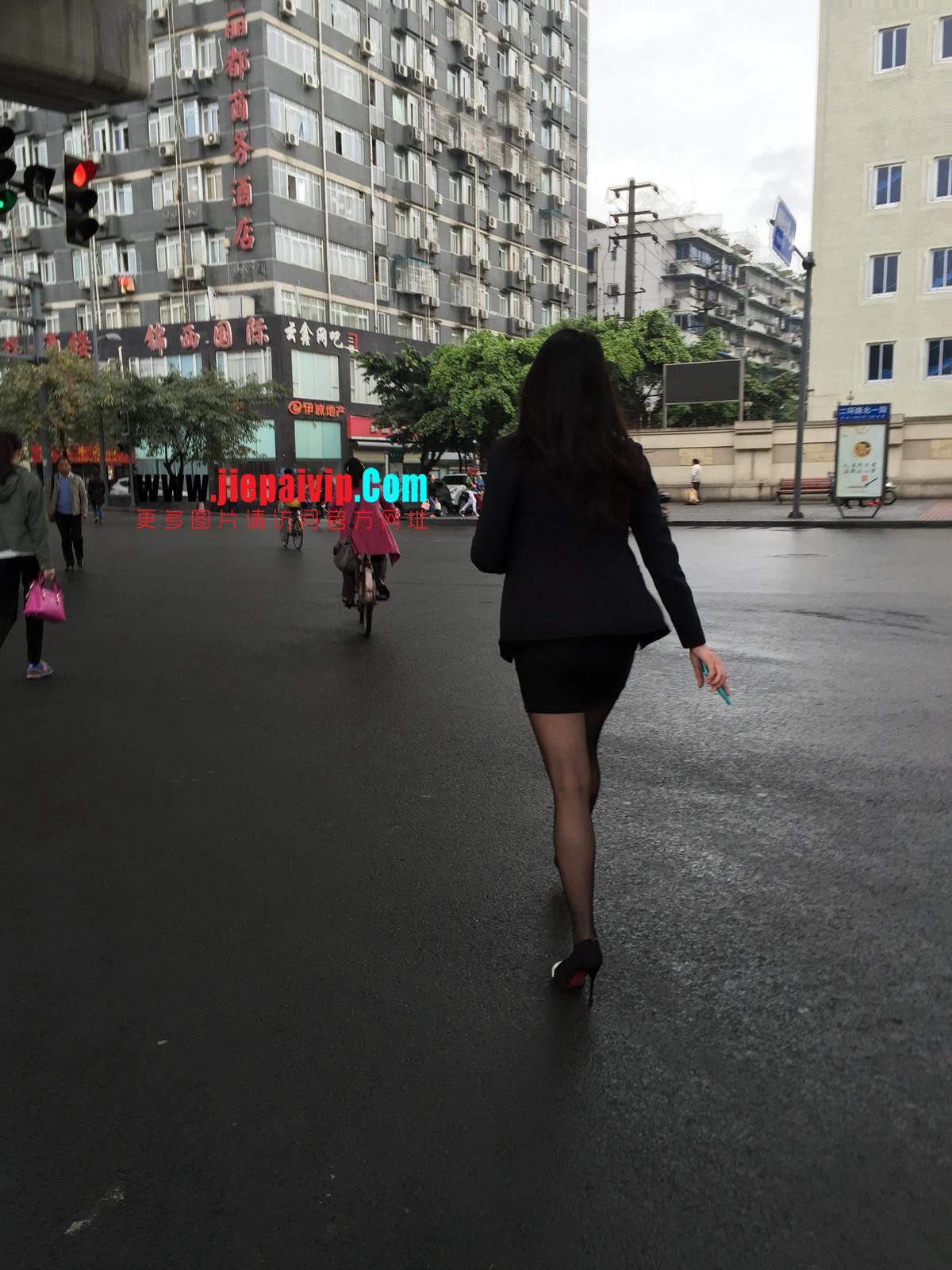 街拍职业OL美女,黑丝高跟,短裙包臀15