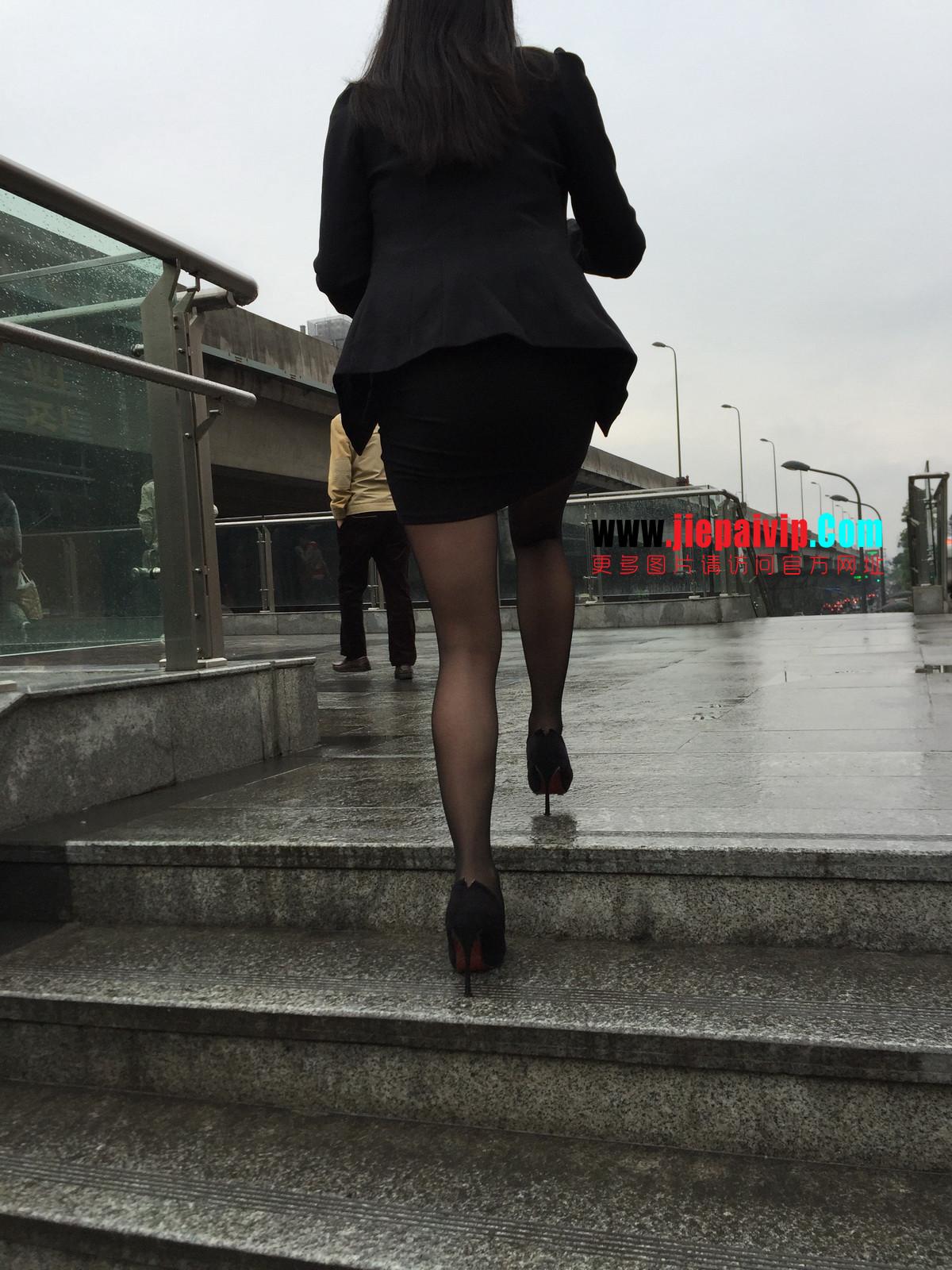 街拍职业OL美女,黑丝高跟,短裙包臀37