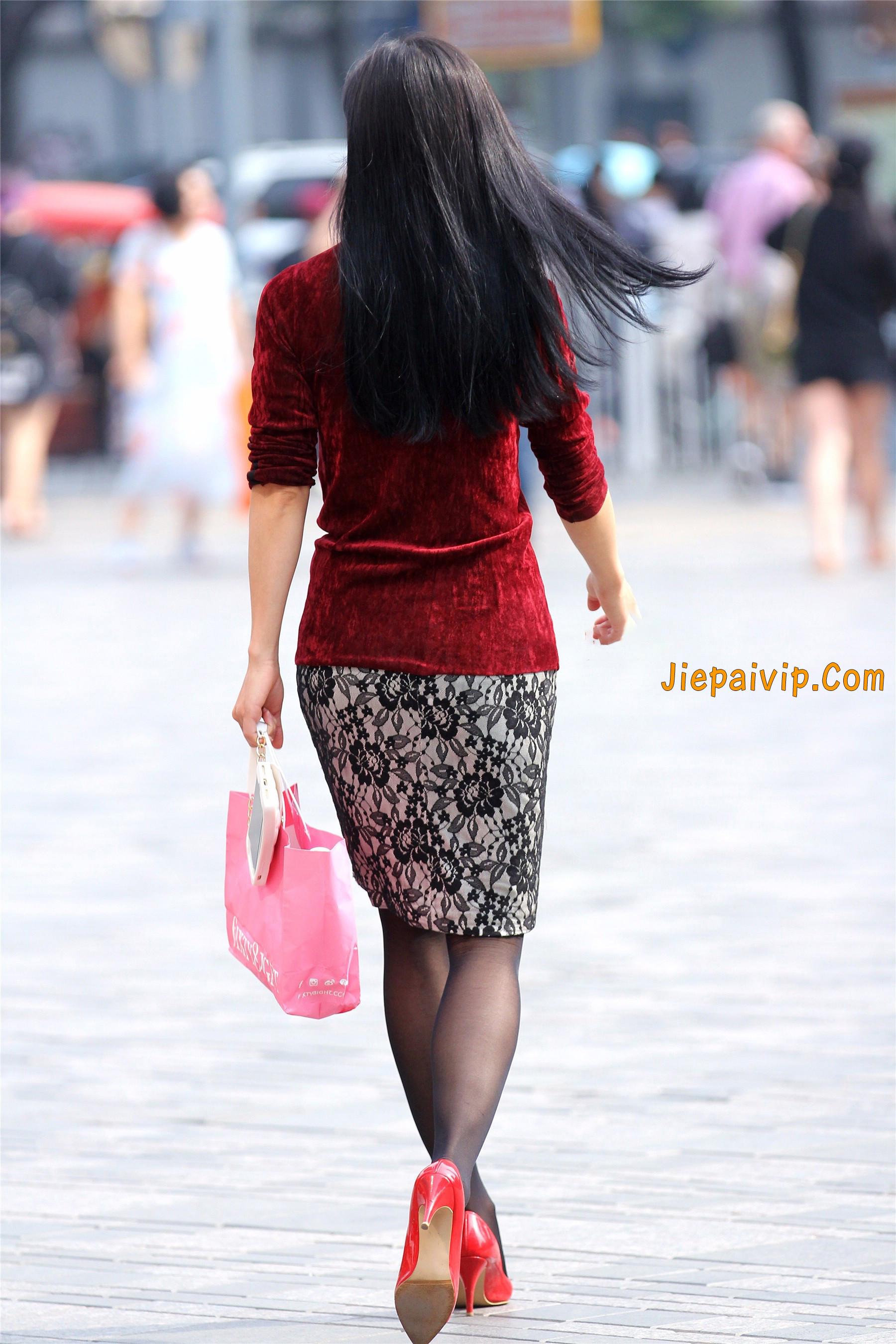 黑色丝袜红色高跟少妇1