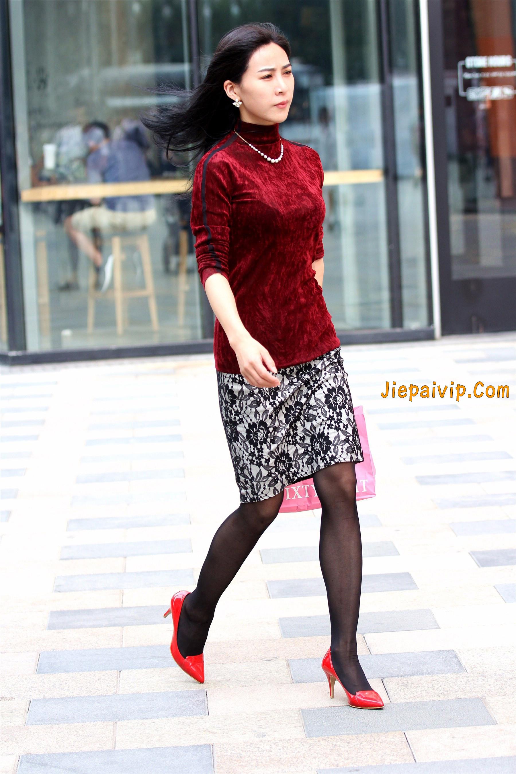 黑色丝袜红色高跟少妇6