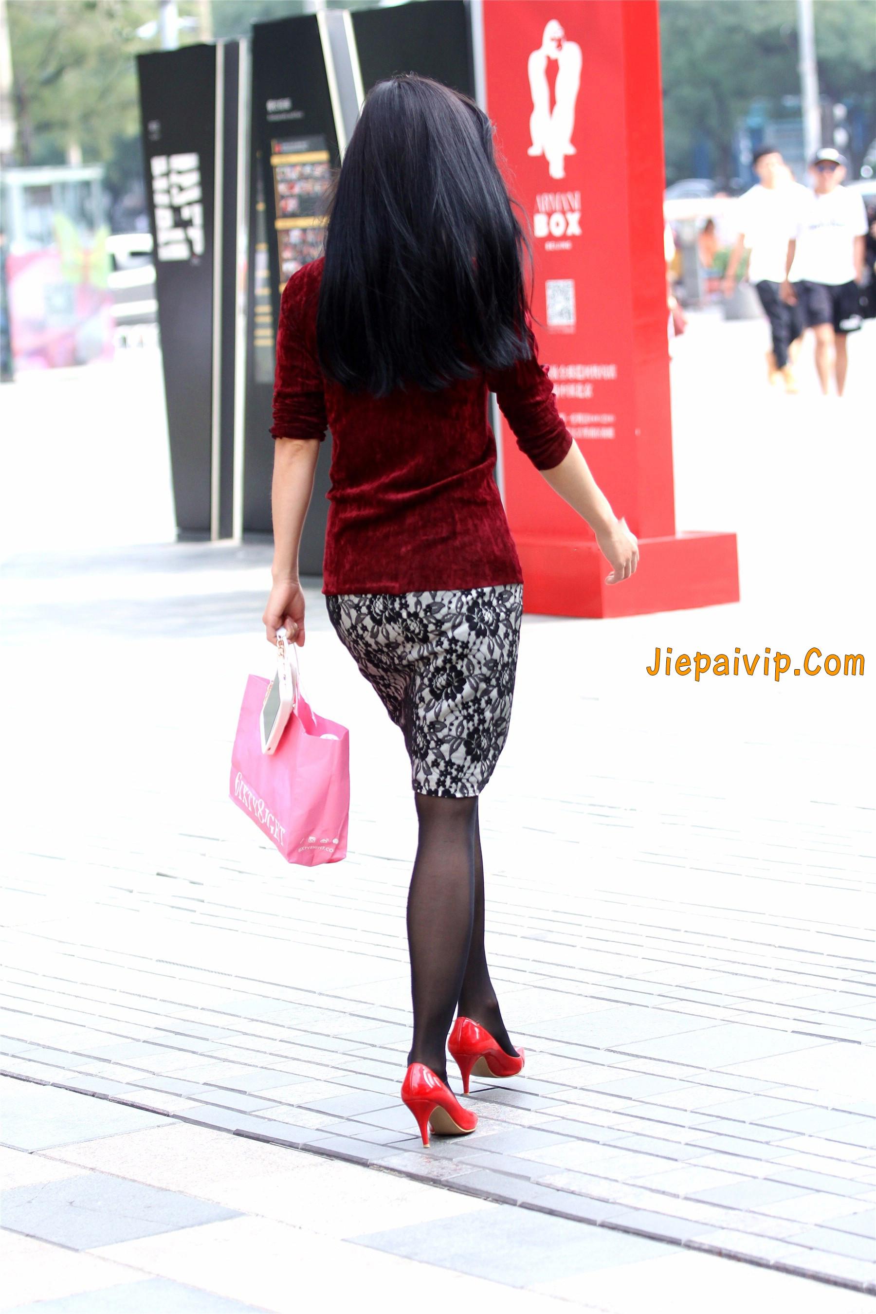 黑色丝袜红色高跟少妇9