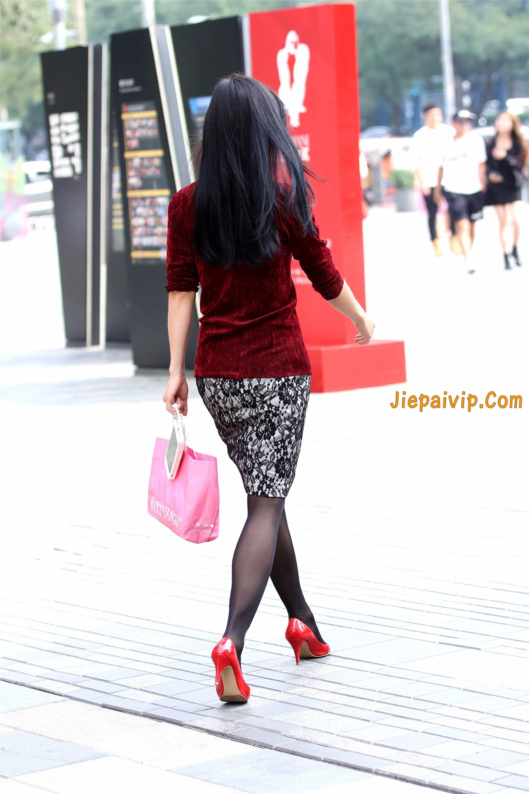 黑色丝袜红色高跟少妇11