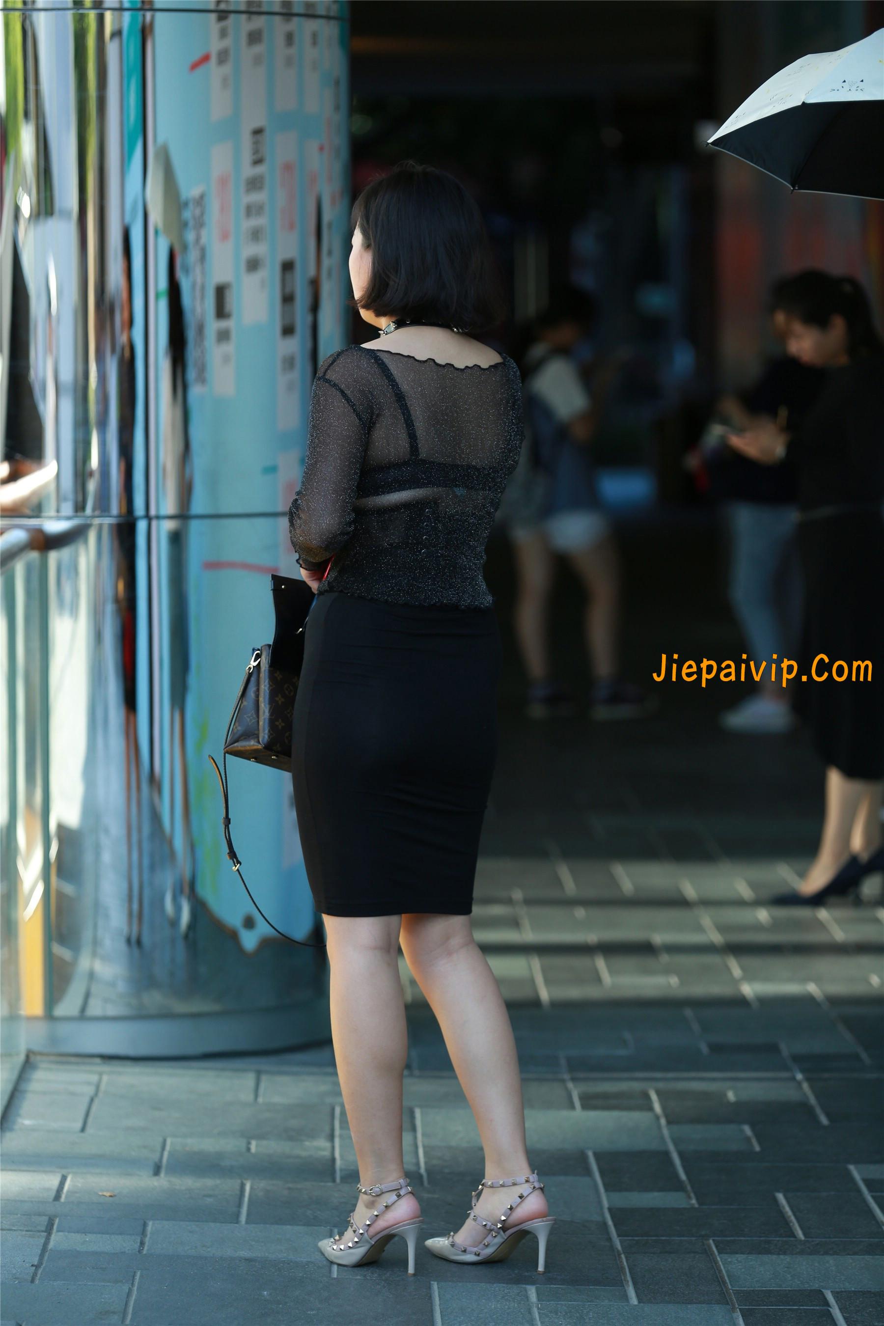 黑纱若隐若现,美腿包臀少妇3