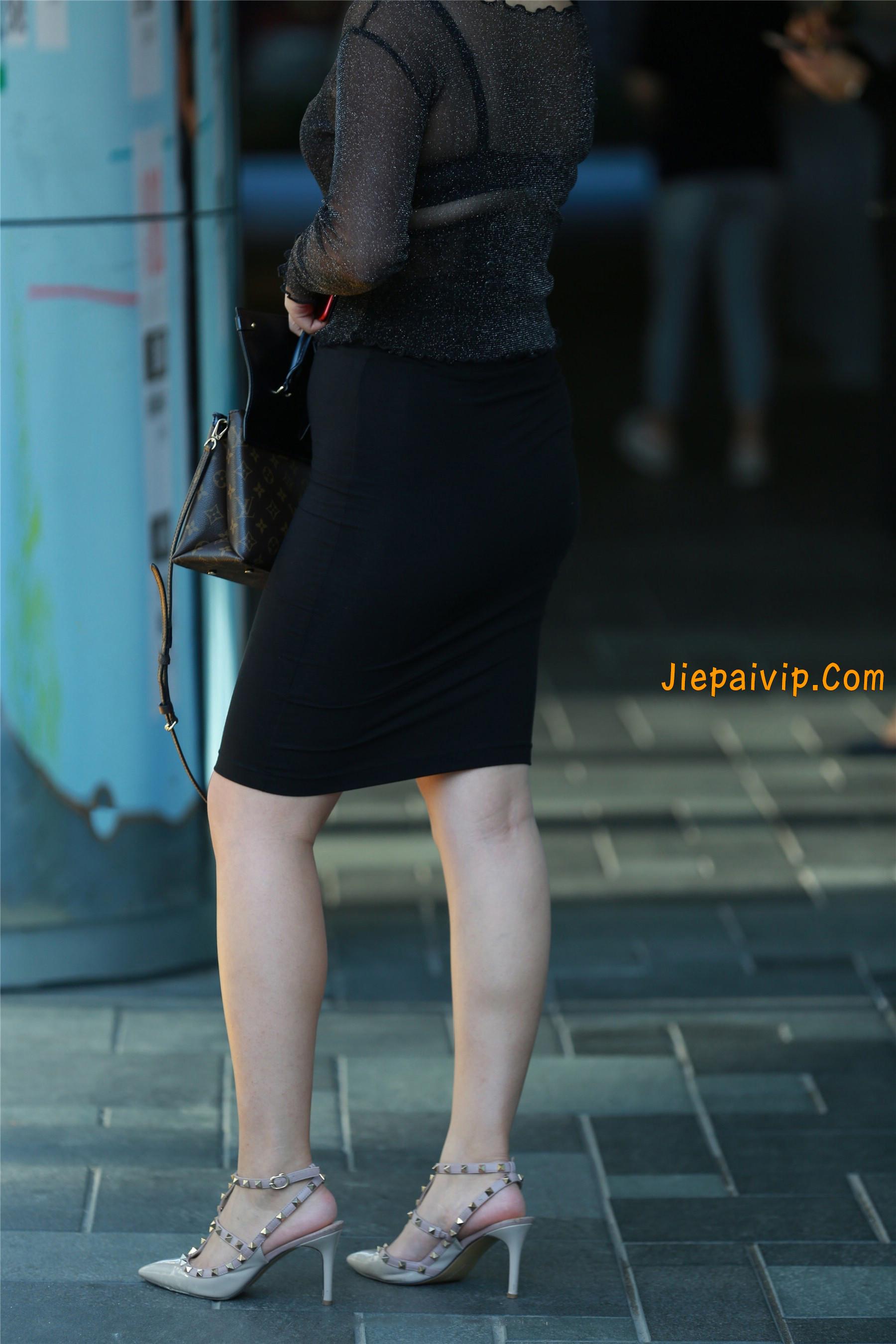 黑纱若隐若现,美腿包臀少妇4