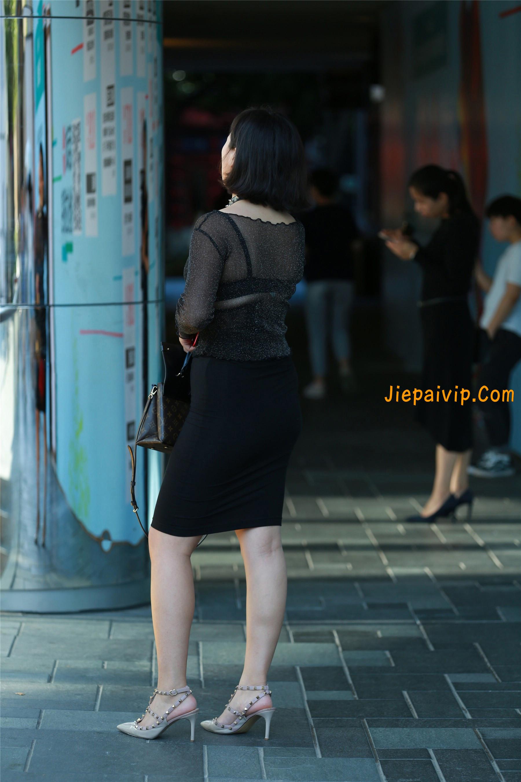 黑纱若隐若现,美腿包臀少妇5