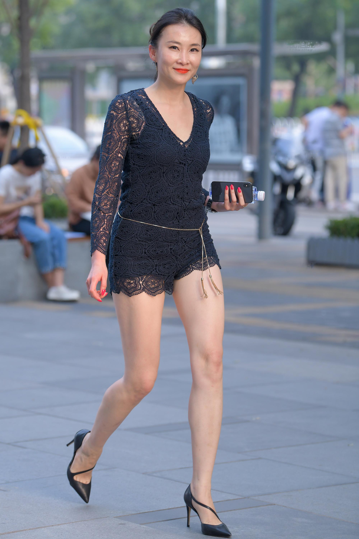 极品性感长腿少妇,实在太妩媚9