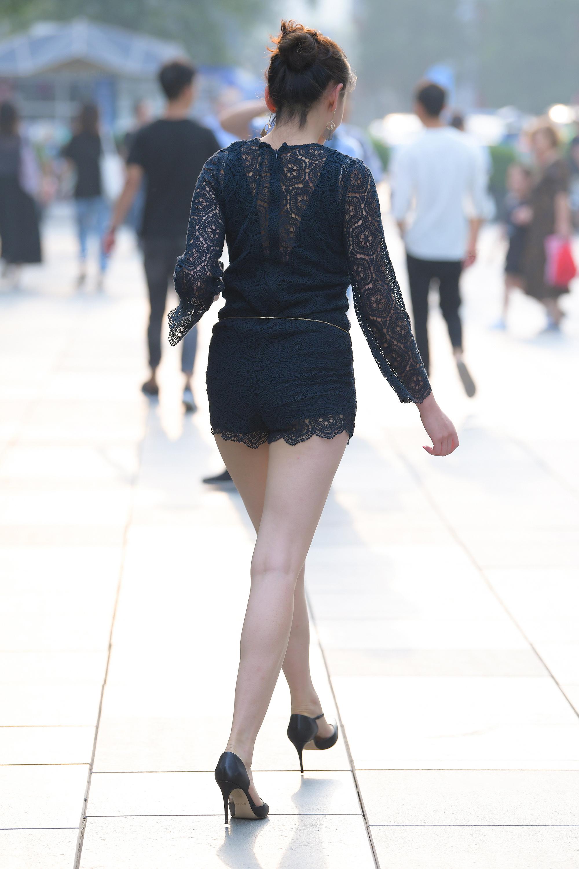 极品性感长腿少妇,实在太妩媚18
